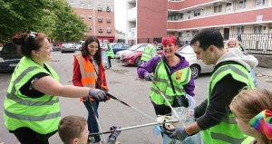 Cork Resident Network Dublin 8 - Resident cleaning the area